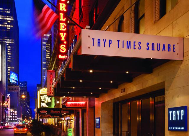 tryp by wyndham times square south sparen sie bis zu 70. Black Bedroom Furniture Sets. Home Design Ideas