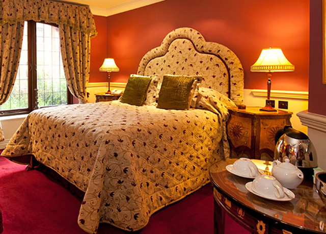 Crown Double Room At Coombe Abbey