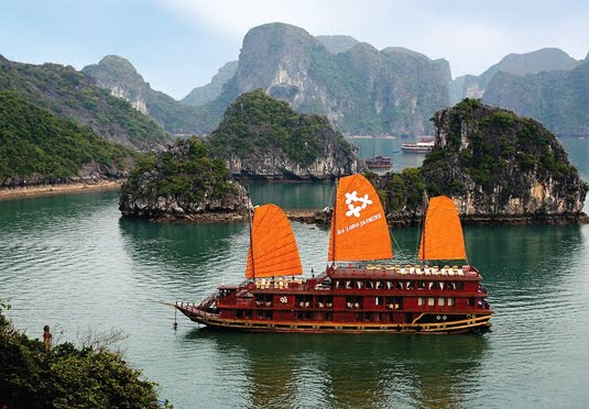 5* Vietnam tour with flights