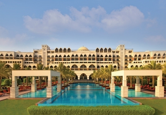 5 super luxe dubai break on the famous palm jumeirah for Super luxury hotels in dubai
