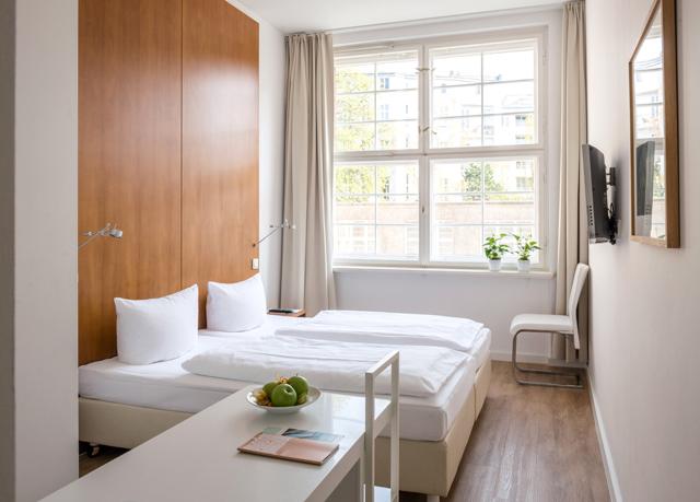 k m rkt byggnad med minimalistisk stil spara upp till 70 p lyxhotell secret escapes. Black Bedroom Furniture Sets. Home Design Ideas