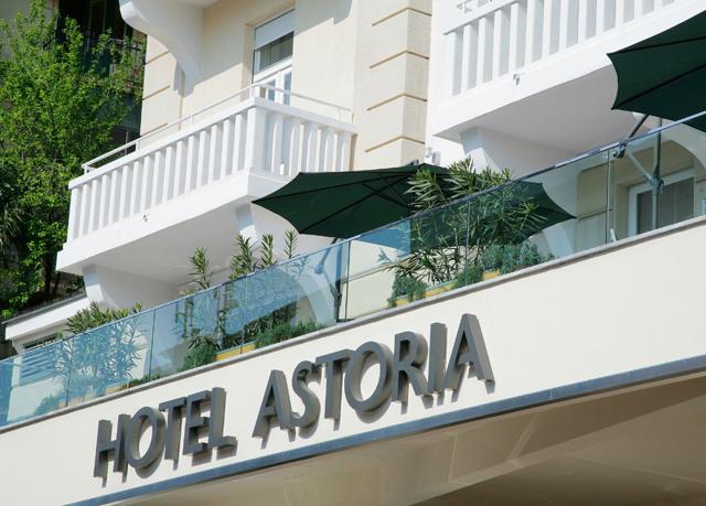 Sonne meer und kulinarik im sch nsten seebad kroatiens for Designhotel kroatien