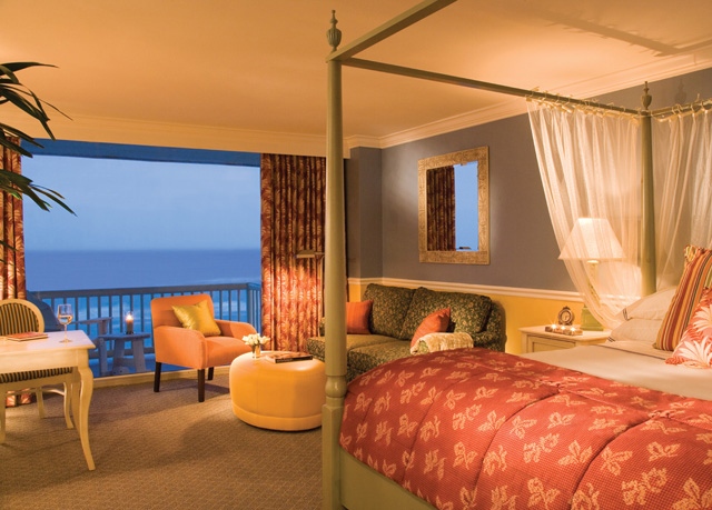 the shores resort spa save up to 60 on luxury travel. Black Bedroom Furniture Sets. Home Design Ideas