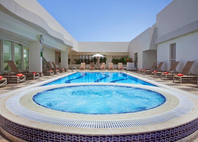 formel 1 grand prix abu dhabi inkl hotels fl ge. Black Bedroom Furniture Sets. Home Design Ideas