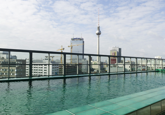 Soho house berlin spara upp till 70 p lyxhotell for Dusseldorf hotel mit pool