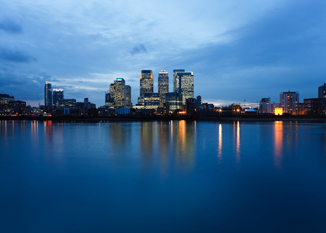 four season canary wharf five star hotel Canary riverside plaza hotel is a luxury 5-star hotel in london, england it is located at 46 westferry circus in canary wharf  the hotel has 142 rooms and suites containing large bay windows overlooking the river thames.