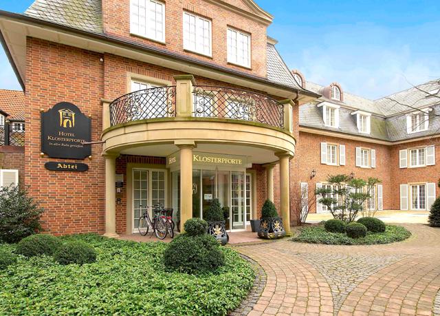 Tradition moderne in ehemaligem kloster sparen sie bis for Moderne hotels nrw