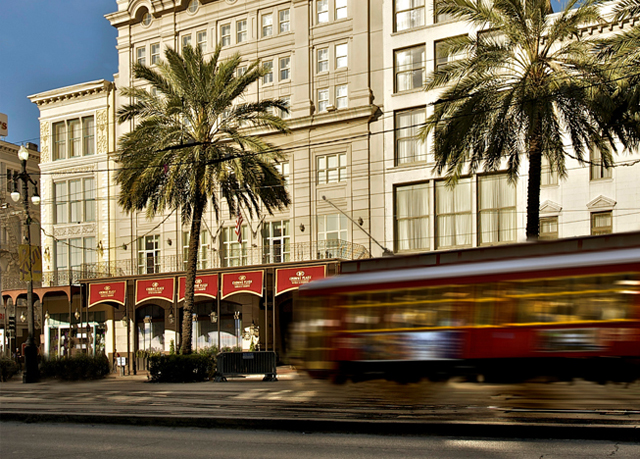 New orleans luxury hotel astor new orleans bourbon auto for Design hotel new orleans