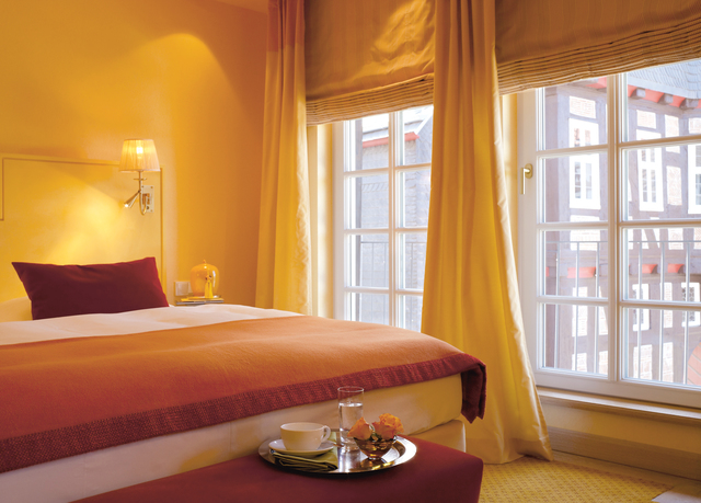 relais ch teaux hotel die sonne frankenberg sparen sie bis zu 70 auf luxusreisen secret. Black Bedroom Furniture Sets. Home Design Ideas
