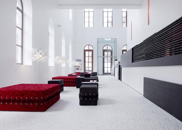 Modernes design in der alten r merstadt sparen sie bis for Design hotel belgien