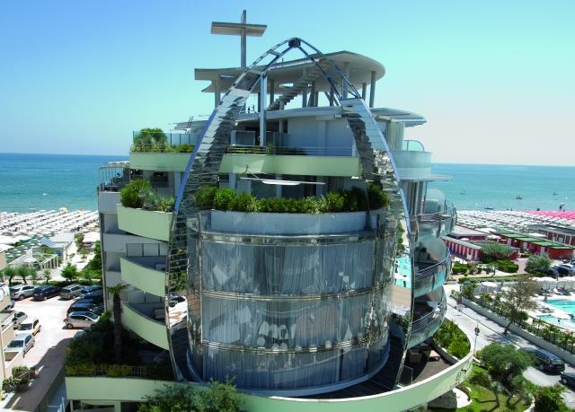 Hotel waldorf risparmia fino al 70 su vacanze di lusso secret escapes - Hotel con piscina coperta milano marittima ...