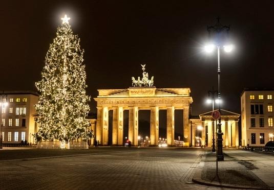 Stylish berlin christmas markets break save up to 60 on - Bauhaus weihnachtsbaum ...