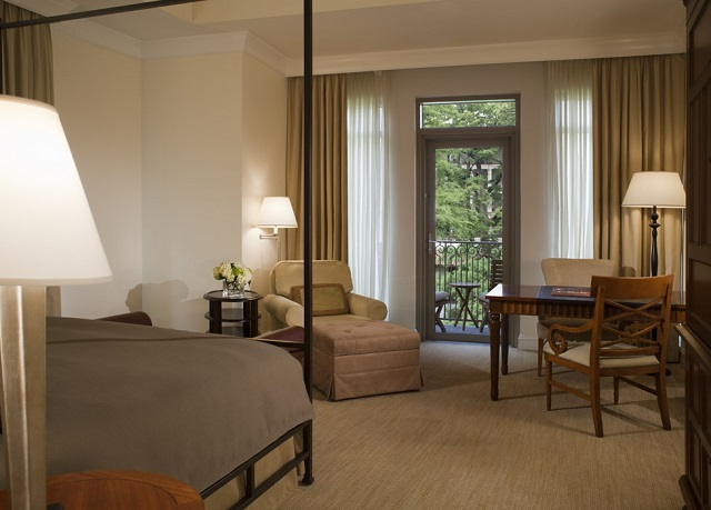 Awardwinning hotel on San Antonios River Walk Save up to 70
