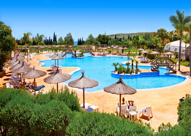 Sunny stay near costa blanca beaches save up to 70 on for Piscina bonalba