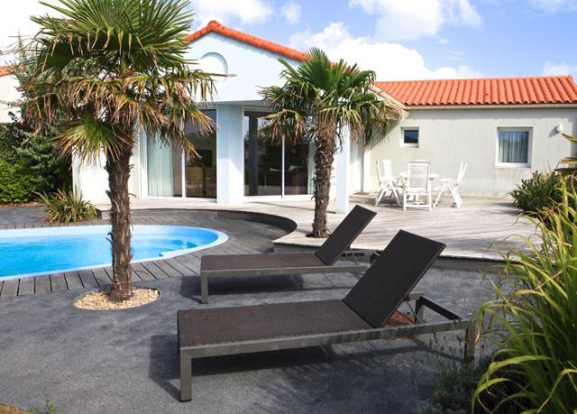 A family villa on the french atlantic coast save up to - Villas les jardins du chateau d olonne ...