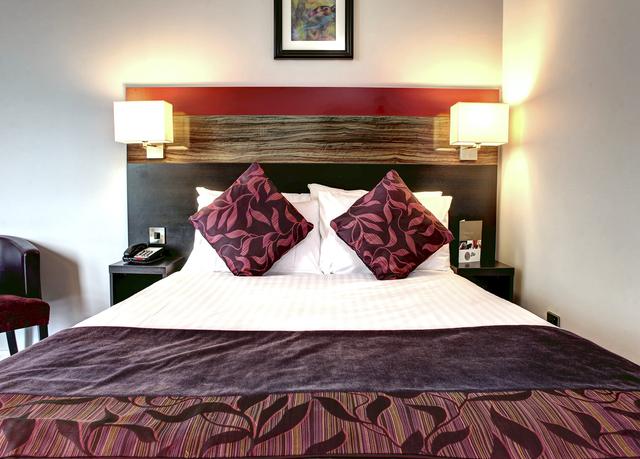 die hauptstadt von wales entdecken sparen sie bis zu 70. Black Bedroom Furniture Sets. Home Design Ideas
