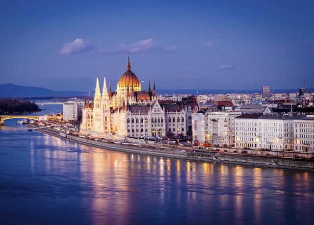 Prague budapest optional vienna break save up to 60 for Designhotel elephant prague 1 czech republic