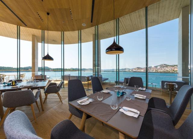 Luxus pur im designhotel mit meerblick in kroatien for Kroatien designhotel