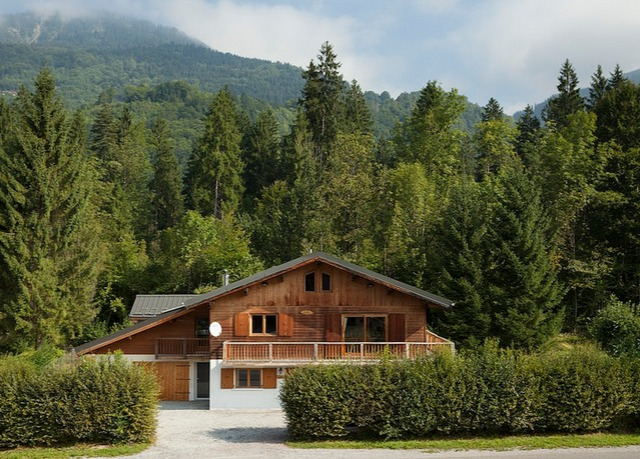 Gourmet French Alps chalet holiday  Save up to 70% o