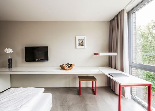 burns art cologne sparen sie bis zu 70 auf luxusreisen secret escapes. Black Bedroom Furniture Sets. Home Design Ideas