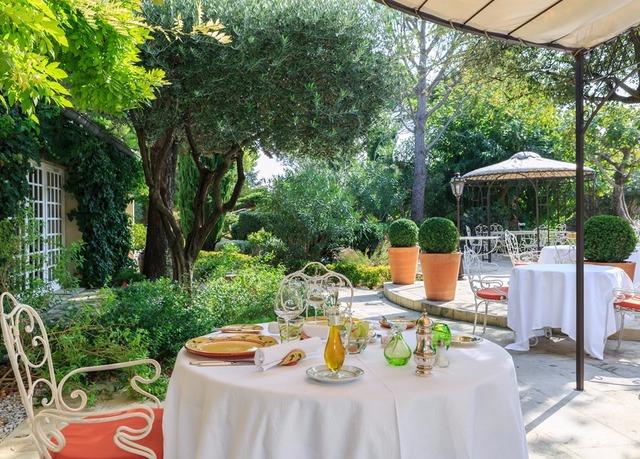 Spa de 500 m² pour une douce immersion provençale