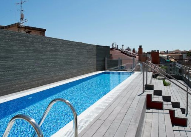 Eight night spain tour with flights save up to 70 on for Hotel jardin barcelona