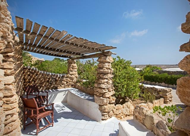 Hotel i Dammusi di Borgo Cala Creta | Risparmia fino al 70% su ...