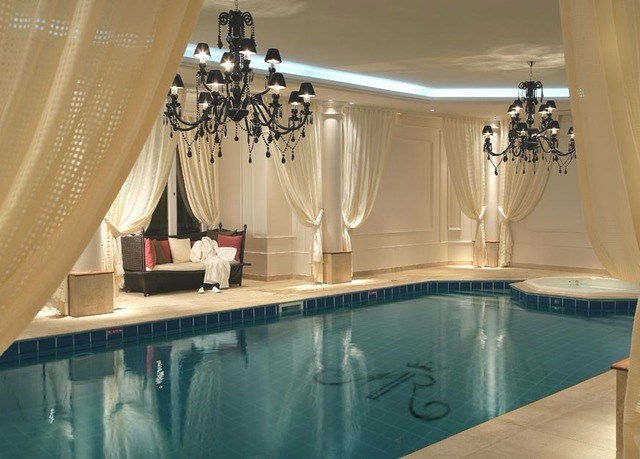 Château Hôtel Mont Royal | Save up to 60% on luxury travel ...