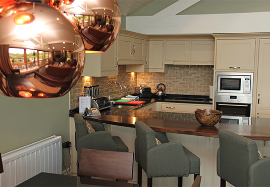 De vere luxury lodges sparen sie bis zu 70 auf for Luxury kitchens scotland