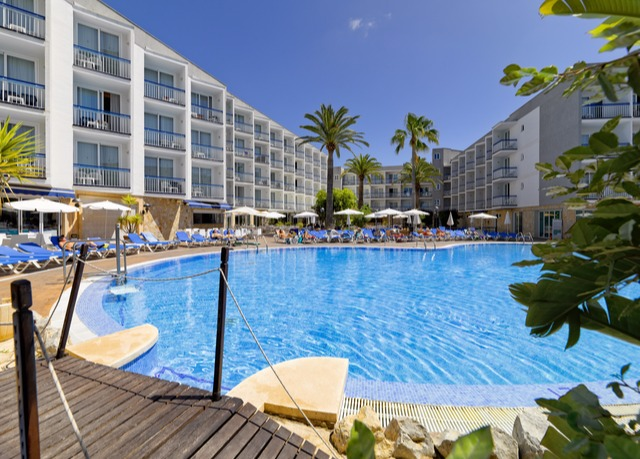 Relaxing mallorca holiday save up to 60 on luxury for Aparthotel d or jardin de playa santa ponsa