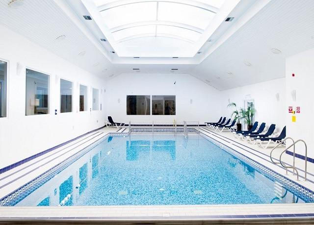 Saunton sands hotel save up to 60 on luxury travel for Art deco hotel devon