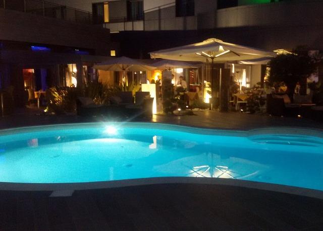 Amati design hotel sparen sie bis zu 70 auf luxusreisen for Hotel amati bologna