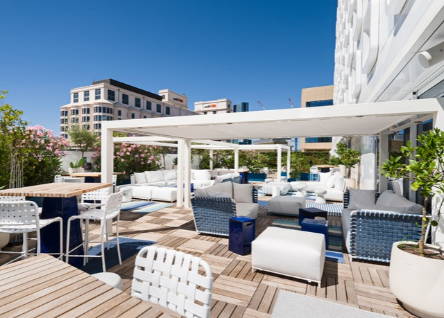 Golden tulip marseille euromed economisez jusqu 39 70 for Hotel design paca