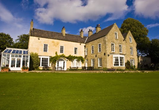 The WineGlass Restaurant at The Hall Garth Hotel And Country Club | Brafferton Lane, Coatham Mundeville DL1 3 | +44 1325 300400
