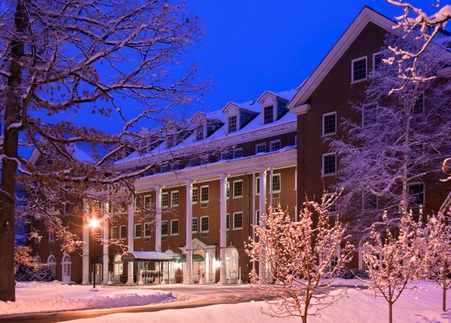 The gideon putnam resort spa save up to 70 on luxury for Luxury hotels in saratoga springs ny