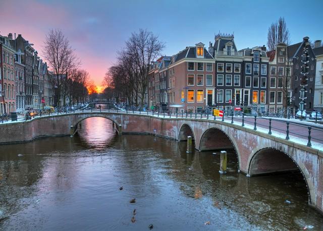 Modernes design hotel in s dost amsterdam sparen sie bis for Design hotel niederlande