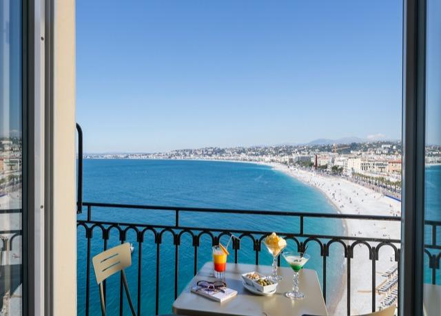 Superbe h tel 4 toiles avec vue sur la promenade des for Hotels 4 etoiles nice