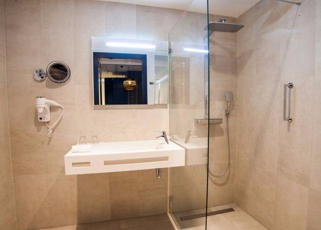 DoubleTree by Hilton Hotel Amsterdam - NDSM Wharf | Risparmia fino ...