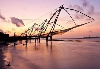 Enchanting Kerala tour with a houseboat stay, Cochin, Munnar, Alleppey & beachside bliss in Kovalam - save 32%