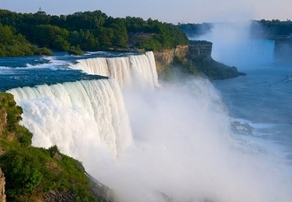 Incredible Niagara Falls & New York holiday with fabulous optional tours, Sheraton On The Falls Hotel & Z NYC Hotel - save 39%