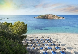 Boutique Mallorca holiday at an adults-only hotel, Hotel RD Mar de Portals, Spain - save 23%
