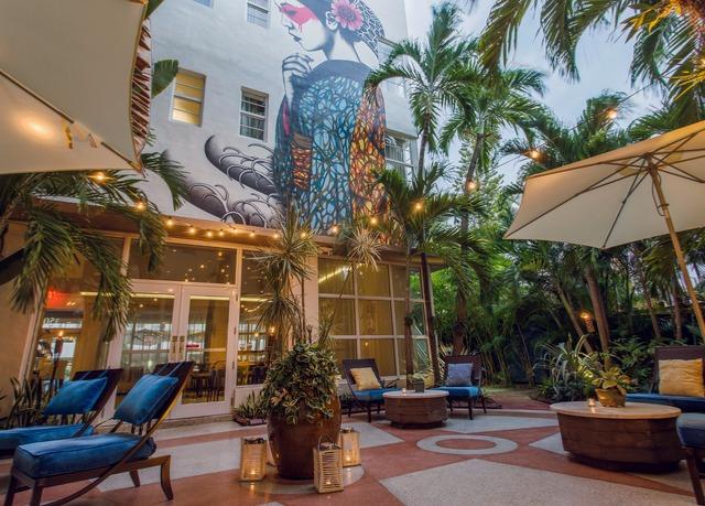 Historic boutique hotel on miami 39 s ocean drive save up for Historic boutique hotel