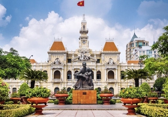 Vietnam city to beach holiday with an optional Dubai break