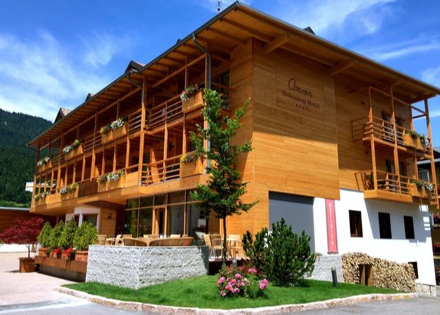 Alpines design hochgenuss in den dolomiten sparen sie for Design hotel dolomiten