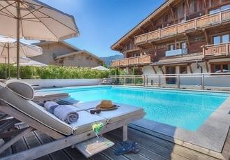 Les Loges Blanches, Megève, France - save 24%