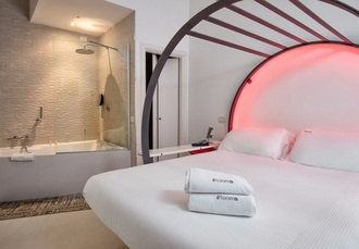 iRooms Forum & Colosseum, Rome, Italy - save 64%