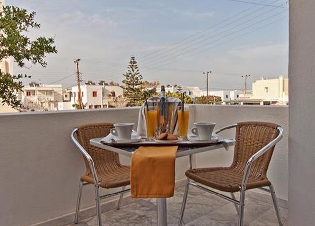 Sette notti d\'incanto a Santorini | Risparmia fino al 70% su ...