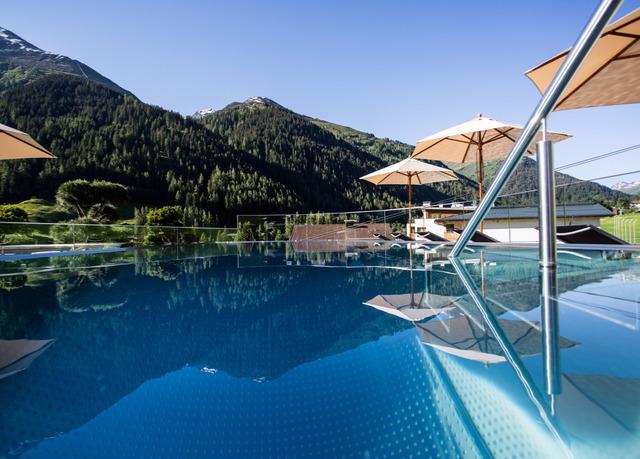 St Anton Am Arlberg Hotel Rooftop Pool