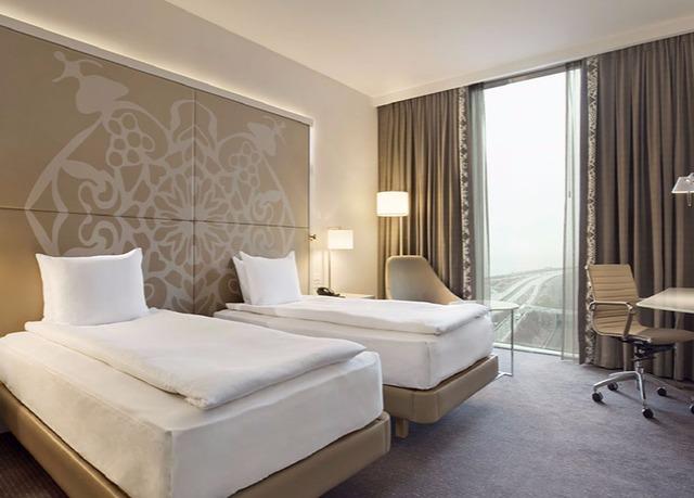 Hotel Stay Kopenhagen : Sleek copenhagen stay close to the airport save up to on