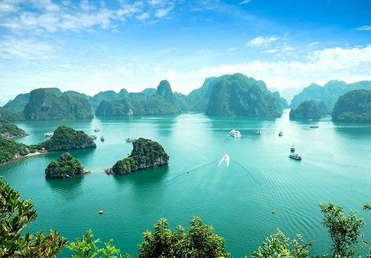Spellbinding Vietnam holiday with Halong Bay cruise & tours